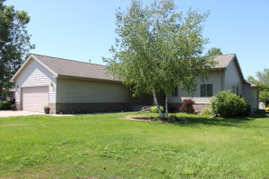 25621 408th Ave, Mitchell, SD 57301