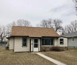 204 W 13th Ave, Mitchell, SD 57301