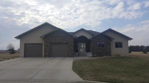 703 W Fir St, Parkston, SD 57366