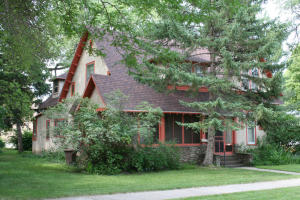 223 W 4th Ave, Mitchell, SD 57301