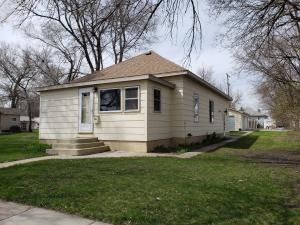 816 E Ash Ave, Mitchell, SD 57301