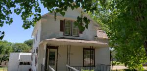 402 N College Ave, Wessington Springs, SD 57382