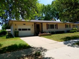 1009 W Birch Ave, Mitchell, SD 57301