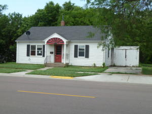 405 N Rowley St, Mitchell, SD 57301