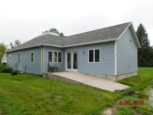 305 4th St, Geddes, SD 57342