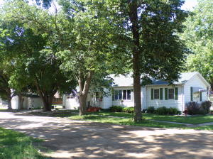 440 4th Ave, Emery, SD 57332