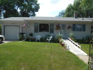609 S ISADORE, Mitchell, SD 57301