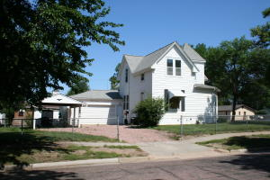 734 S Wisconsin St, Mitchell, SD 57301