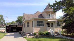 1022 E 4th Ave, Mitchell, SD 57301