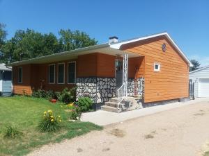 301 E North St, Platte, SD 57369