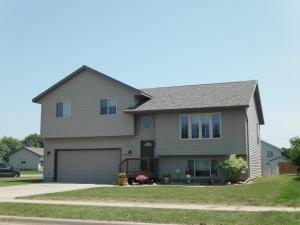 1520 N Minnesota St, Mitchell, SD 57301