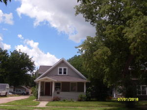 615 N Minnesota St, Mitchell, SD 57301