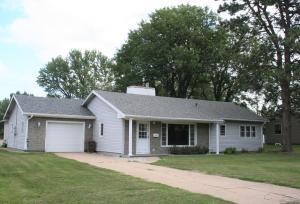 1300 S Minnesota St, Mitchell, SD 57301