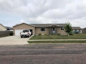 206 Charles St, Mitchell, SD 57301