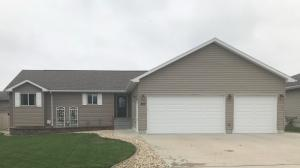207 Tiger St, Mitchell, SD 57301