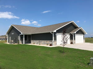 1420 W 20th Ave, Mitchell, SD 57301
