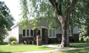 415 W 10th Ave, Mitchell, SD 57301