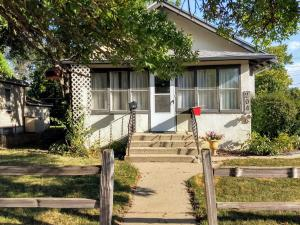 204 W 9th Ave, Mitchell, SD 57301