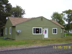 604 4th St, Armour, SD 57313