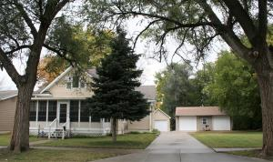 616 W 4th Ave, Mitchell, SD 57301