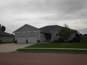 1501 Sawgrass Ave, Mitchell, SD 57301