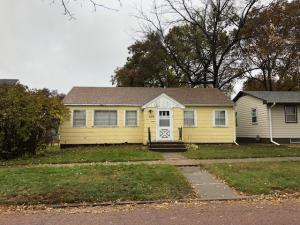 409 W 12th Ave, Mitchell, SD 57301