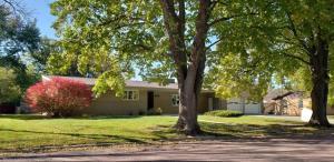 1315 S Minnesota St, Mitchell, SD 57301