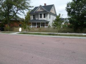 203 E Lawler Ave, Chamberlain, SD 57325