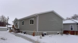 616 W 13th Ave, Mitchell, SD 57301