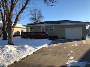 1113 State Ave, Mitchell, SD 57301