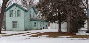 304 E 4th Street, Plankinton, SD 57368