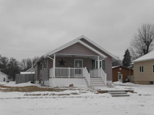 919 E 8th Ave, Mitchell, SD 57301