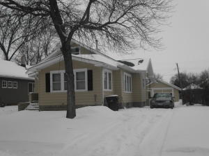 1008 E 3rd Ave, Mitchell, SD 57301