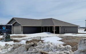 1421 W 20th Ave, Mitchell, SD 57301