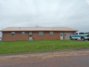 301 4th St, Wessington Springs, SD 57382