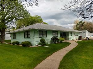 1104 W 4th Ave, Mitchell, SD 57301