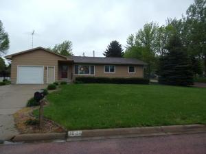 1021 W Hanson Ave, Mitchell, SD 57301