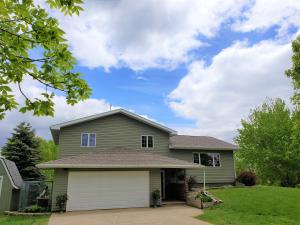 3300 N Gale Rd, Mitchell, SD 57301