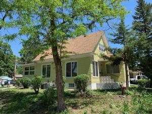 722 W 5th Ave, Mitchell, SD 57301
