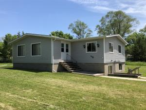 40 Church St, Lake Andes, SD 57356