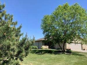 1428 Sharpstone Dr, Mitchell, SD 57301