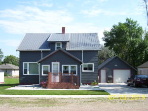 904 2nd St, Armour, SD 57313