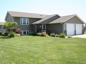 300 Christine St, Mitchell, SD 57301