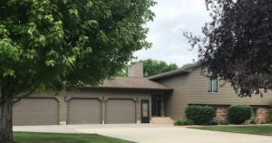 1416 Pebble Beach Rd, Mitchell, SD 57301