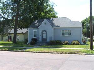 601 E 5th Ave, Mitchell, SD 57301