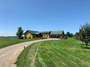 39635 236th St, Woonsocket, SD 57385