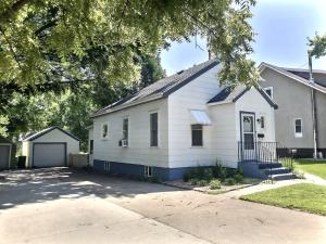 412 S Minnesota St, Mitchell, SD 57301