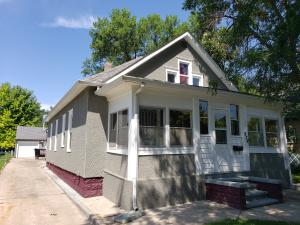 824 W 5th Ave, Mitchell, SD 57301