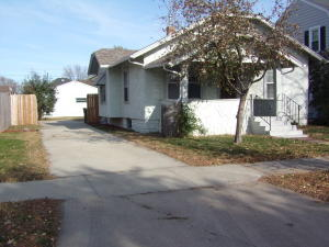 1118 E 3rd Ave, Mitchell, SD 57301