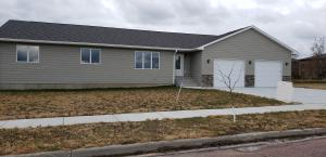 1525 Kemper Ave, Mitchell, SD 57301